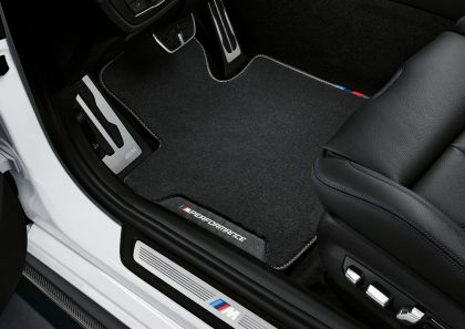 2021 BMW 540i ( G30 ) with M Performance parts 19