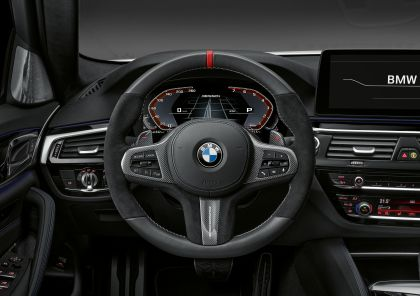2021 BMW 540i ( G30 ) with M Performance parts 20