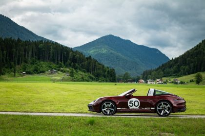 2020 Porsche 911 ( 992 ) Targa 4S Heritage Design Edition  51