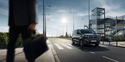 2020 Peugeot e-Traveller 13