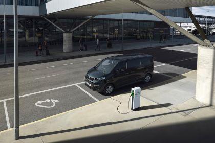 2020 Peugeot e-Traveller 14