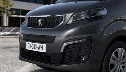 2020 Peugeot e-Traveller 19