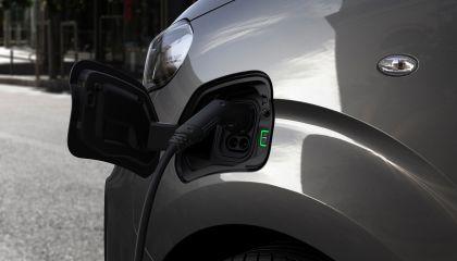 2020 Peugeot e-Traveller 23