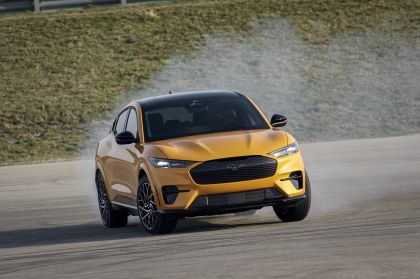 2021 Ford Mustang Mach-E GT 16