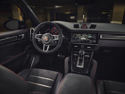 2020 Porsche Cayenne GTS 10
