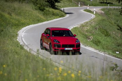 2020 Porsche Cayenne GTS 22