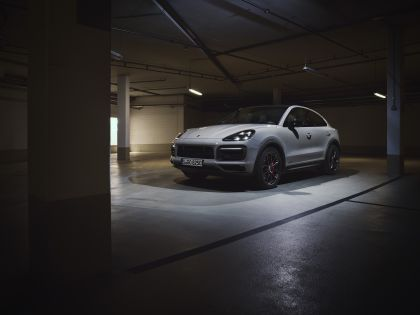 2020 Porsche Cayenne GTS coupé 1