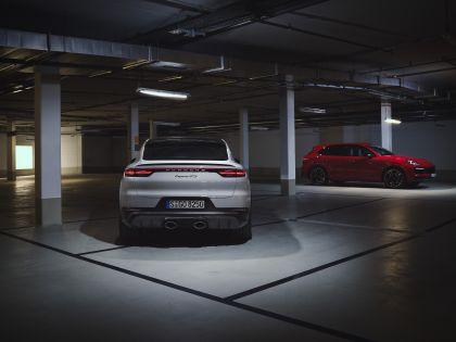 2020 Porsche Cayenne GTS coupé 5