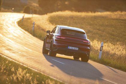 2020 Porsche Cayenne GTS coupé 11
