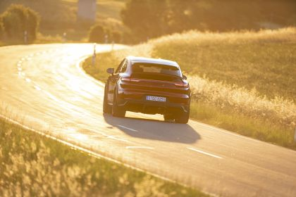 2020 Porsche Cayenne GTS coupé 12