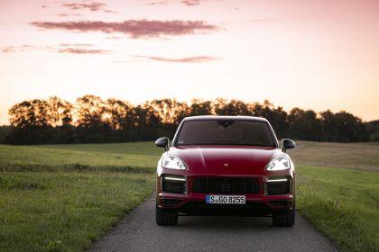 2020 Porsche Cayenne GTS coupé 35
