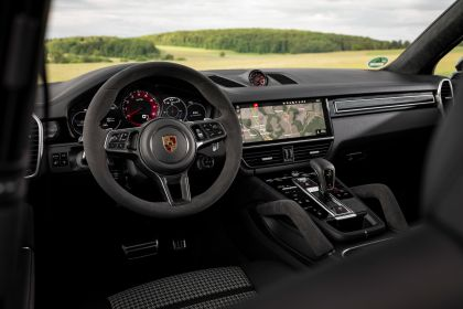 2020 Porsche Cayenne GTS coupé 57