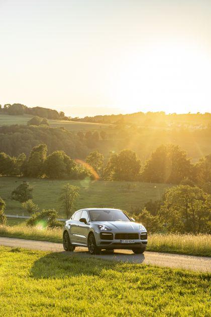 2020 Porsche Cayenne GTS coupé 85