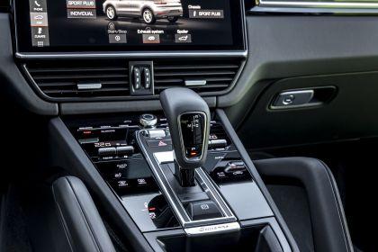 2020 Porsche Cayenne GTS coupé 130