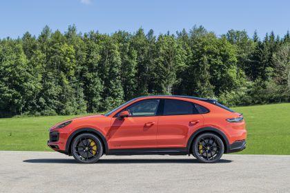 2020 Porsche Cayenne GTS coupé 144