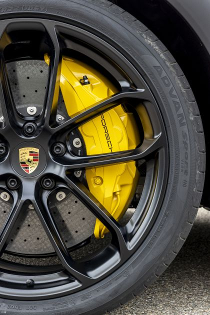 2020 Porsche Cayenne GTS coupé 170