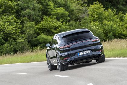 2020 Porsche Cayenne GTS coupé 215