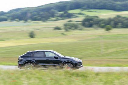 2020 Porsche Cayenne GTS coupé 225