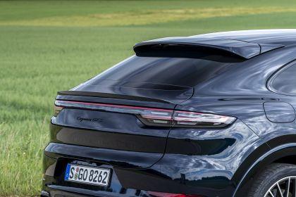 2020 Porsche Cayenne GTS coupé 236