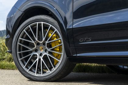 2020 Porsche Cayenne GTS coupé 238