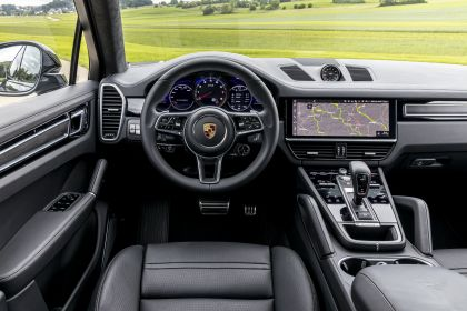 2020 Porsche Cayenne GTS coupé 243