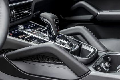 2020 Porsche Cayenne GTS coupé 248