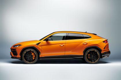 2021 Lamborghini Urus Pearl Capsule 11