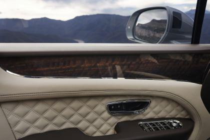 2021 Bentley Bentayga 26