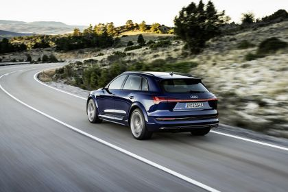 2021 Audi e-tron S 8