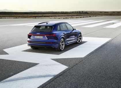 2021 Audi e-tron S 22