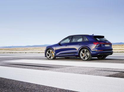 2021 Audi e-tron S 27