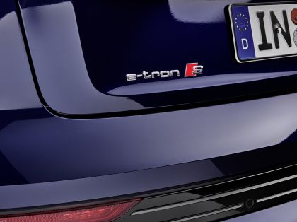 2021 Audi e-tron S 53