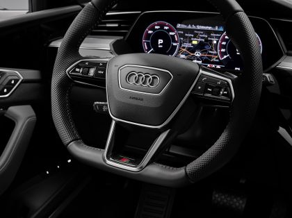 2021 Audi e-tron S 58