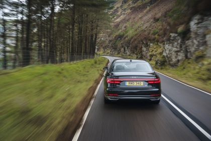 2020 Audi A8 L 60 TFSI e quattro - UK version 32