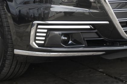 2020 Audi A8 L 60 TFSI e quattro - UK version 61