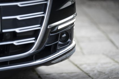 2020 Audi A8 L 60 TFSI e quattro - UK version 63