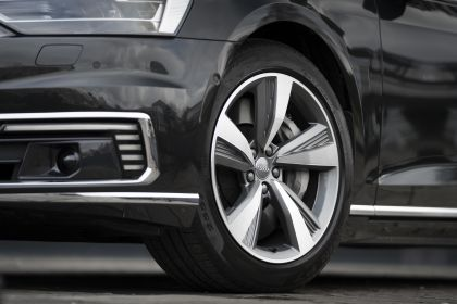 2020 Audi A8 L 60 TFSI e quattro - UK version 68