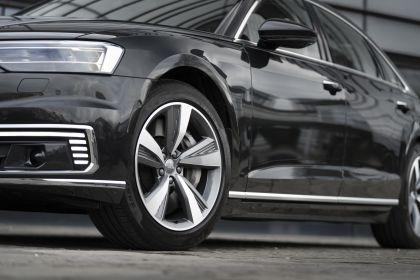 2020 Audi A8 L 60 TFSI e quattro - UK version 70