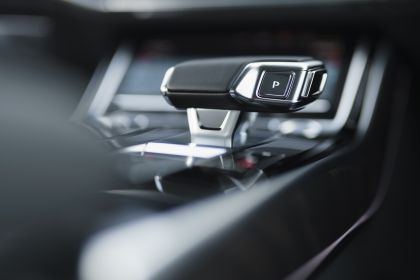 2020 Audi A8 L 60 TFSI e quattro - UK version 100