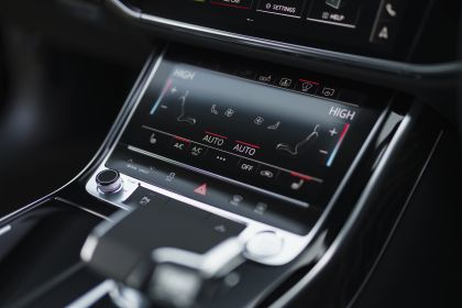 2020 Audi A8 L 60 TFSI e quattro - UK version 103