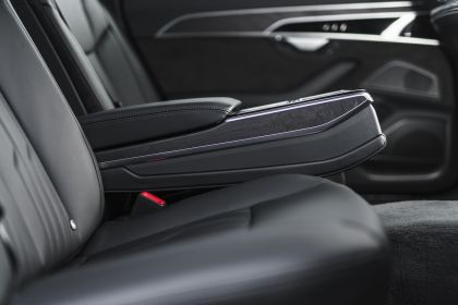 2020 Audi A8 L 60 TFSI e quattro - UK version 129