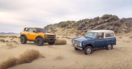 2021 Ford Bronco 2-door 23