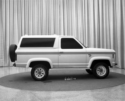 1984 Ford Bronco II 26