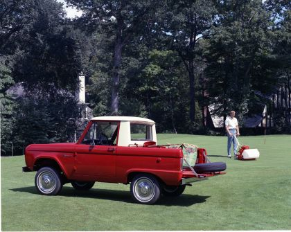 1966 Ford Bronco pickup 3