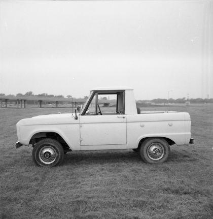 1966 Ford Bronco pickup 40