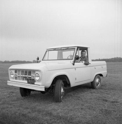 1966 Ford Bronco pickup 41
