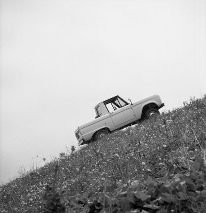 1966 Ford Bronco pickup 42