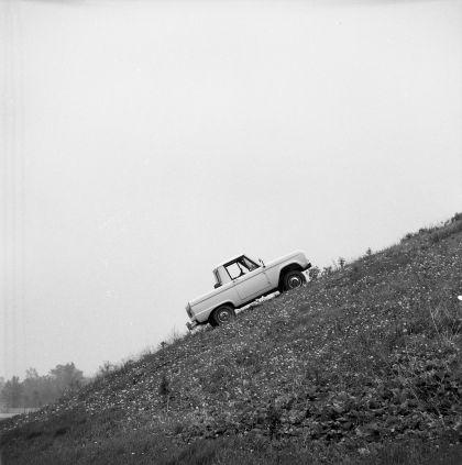 1966 Ford Bronco pickup 43