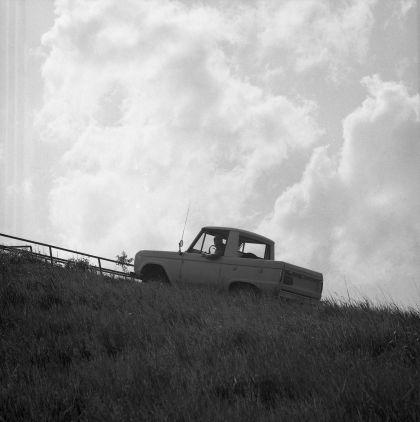1966 Ford Bronco pickup 49