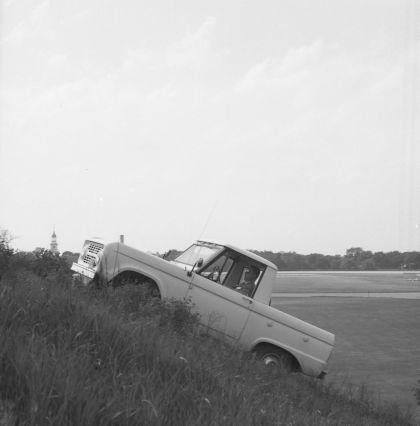 1966 Ford Bronco pickup 51